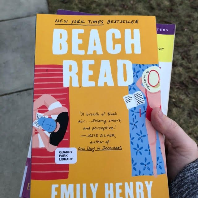 Beach Read by Emily Henry (book)