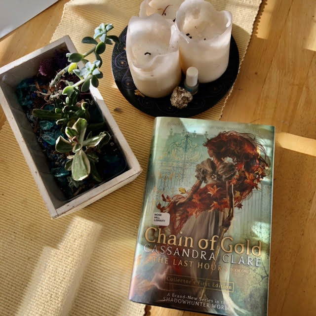 Chain of Gold by Cassandra Clare (book)